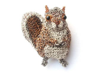 Squirrel brooch - animal jewelry, forest animal, wildlife jewelry, animal gifts, squirrel jewelry, animal pins