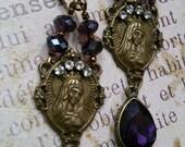 Boucles style  romantiques violet Vierge Marie
