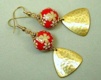 Vintage Japanese Red Tensha Yellow Daisies Dangle Drop Bead Earrings , Vintage Gold Plated Triangular Dangles - Akai Blossom