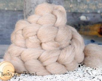 TASMAN COMEBACK Wool Roving Natural Soft Undyed Oatmeal Color Spinning, Felting, Needle Felting - 4 oz