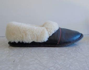 leather and sheepskin slippers, vintage leather slippers, sheep's wool lined, unisex slippers, mens 6, womens 8, house slippers, soft & warm