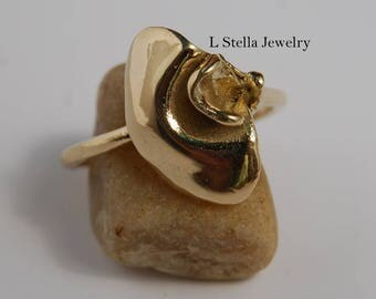 Ring Sweet Pea Flower Ring 14K Gold Pearl option set into the flower ring women's ring sculpted