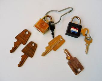 Lot Vintage Luggage Keys & Locks, Samsonite, American Tourister, Royal Traveller