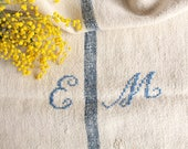 F 281 A: antique handloomed faded LAVENDER BLUE ; monogramm, grainsack pillow cushion runner 41.73 long, french lin, vintage