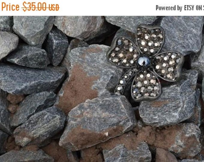 sale Weiss Clover Brooch, Saint Patrick's Day Brooch, Four Leaf Clover, Vintage Brooch, Weiss Jewelry, Chunky Brooch, Black Pearls,