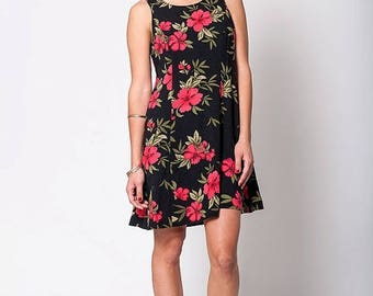 40% SUMMER SALE The Vintage Black and Pink Hawaiian Print Hibiscus Floral Grunge Summer Dress