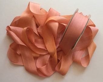 1 metre of 32mm variegated silk ribbon - Colour V138