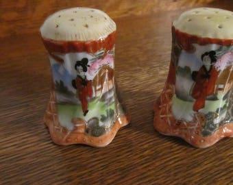 Vintage - Geisha Salt & Pepper Shakers - Porcelain - Hand Painted - Moriage- Nippon - 1950s