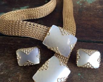 Vintage Emmons Goldtone Mesh Belt with Matching Earrings Lucite Moonstone Pearl