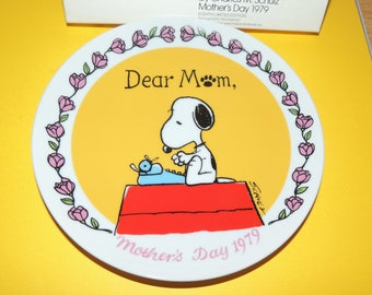 Dear Mom Peanuts 1979 Mother's Day Plate by Schmid