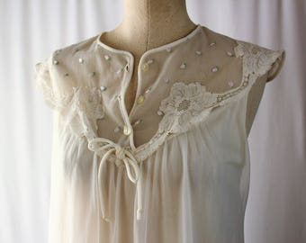 Vintage 1960s White Boudior Nightgown // Val Mode Size Small