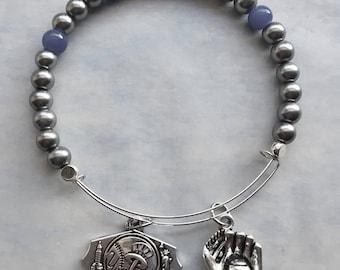 Yankee baseball memory wire bracelet , expandable 2.5 diameter