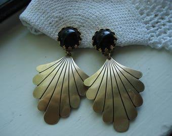 Vintage Art Deco Black Onyx Glass Fan Dangle Gold Clip Earrings Elegant Native Tribal Inspired Southwest