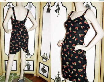 ON SALE Vintage Rosebud Sun Dress in Black and Red with Tulip Hem. XS-Small.