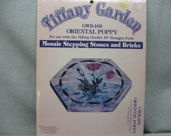 Pattern for Mosaic Stepping Stone Oriental Poppy