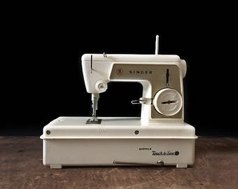 Singer Little Touch and Sew, Vintage Sewing Machine, Battery Operated Sewing Machine, Seamstress Tool