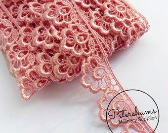 Plump Flower Guipure Lace Floral Embroidered Trim 1m (1.09 yards) - Pink