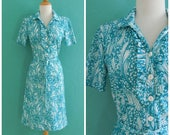 60's turquoise print shirt dress // ruffle neck printed fitted dress