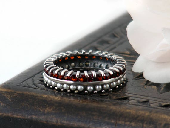 Vintage Ring   Garnet & Pearl Sterling Silver Ring   Full Circle Eternity, Engagement Ring   Seed Pearls   US Ring Size 5.5, UK Ring Size L