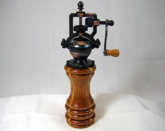 Pepper Mill Antique Style Handmade Mahogany Wood and Laminated Birch Wood Cooper Mechasim