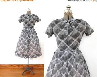 ON SALE 1960s 50s Dress / 60s Full Skirt Gray Kitten Bow Plaid 1950s Dress