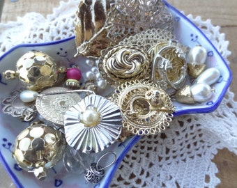 Vintage Jewelry - Findings - Lot - Costume Jewelry Parts - Rhinestone Destash - Pearl Jewelry - Victorian Inspired - D233