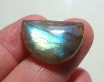 15x22mm, AAA+ LABRADORITE Smooth Crescent Moon Cabochon, Flashing Fiery Green Blue, j28