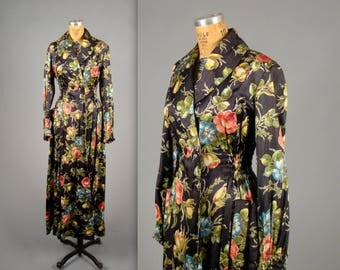 1940s floral dressing gown • vintage 40s housecoat •  button front house dress larger size