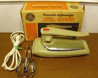 Vintage 1960's/1970's  General Electric Mixer  M47
