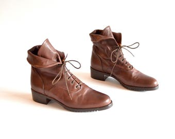 Vintage made in ITALY brown leather ankle boots / 7
