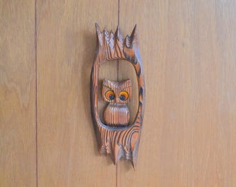 vintage retro wooden owl wall hanging / 1970s home decor / rustic vintage home decor