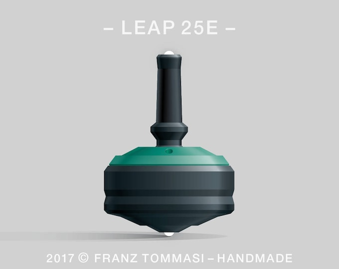 LEAP 25EGreen-on-Black Spin Top with rubber grip, dual ceramic tip, and accent holes (3)