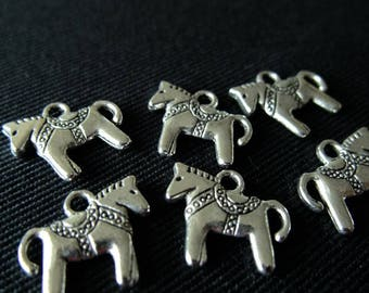 BULK (pkg/30) Swedish Dala Horse Charms - for pendants, jewelry making, crafts, scrapbooking