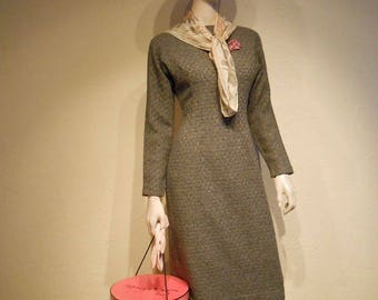 Lunch Time Shopping Spree - Vintage 1950s Grey & Black Patterned Wool Wiggle Dress - 6