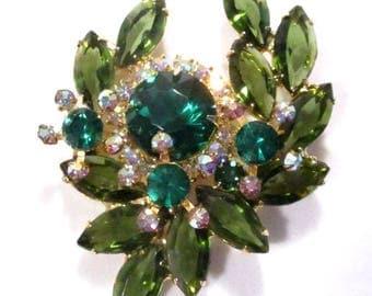 Vintage JULIANA D&E Green Brooch Cabachon Laurel Open Back Pronged Rhinestones