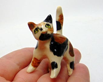 Calico Cat Terrarium Miniature - Miniature Terrarium Figurine - Kitten Miniature - Pottery Cat - Calico Kitten - Terrarium animal