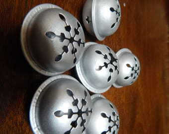 "Silver ""snowflake"" bells, set of 6, 2"" diameter"