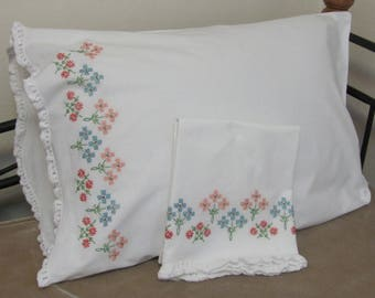 Vintage Hand Embroidered Blue Peach Coral Teal Flowers Floral Pillow Case Set Pair