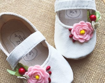 Cream Faux Suede Baby Shoes, Baby Girl Shoes, Toddler Gir Shoes, Soft Sole Shoes, Summer Shoes, Pink Shoes, Cream Shoes, Pink Felt