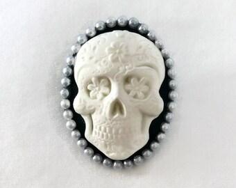 Day of the Dead Brooch, Rockabilly Black and White Skull cameo pin, Pink Sugar Skull Brooch, Dia de los Muertos