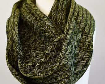 Handwoven Cotton Loop Scarf Olive Green - Peacock