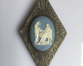 Unusual antique arts and crafts large Ruskin style brooch with Wedgewood jasper ware cameo - early 1900s