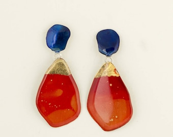 Red, blue and gold pendant earrings
