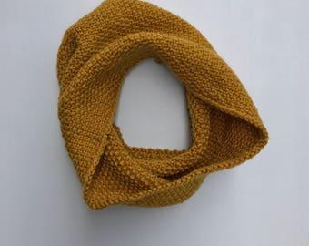 RDB: Hand Knit Vintage Wool Blend Yarn Cowl