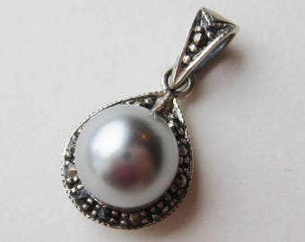 Vintage Tahitian Gray 10.2mm Pearl Sterling Silver Marcasite Necklace Pendant
