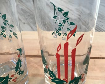 Beautiful Set of 4 Candle and Garland Christmas Water Glasses / Vintage Christmas Drinking Glasses / Vintage Christmas Glasses / Midcentury