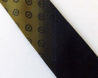 Vintage 60's Skiny Tie Necktie in Gold and Black Ombre with Circle Pattern Wembley