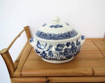 Vintage Churchill of England serving dish/ fine English tableware/blue and white & Blue Willow Covered Casserole stamped Churchill made in