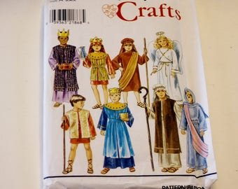 Simplicity 8276: Boys' and Girls' Nativity Costumes Sizes S,M,L (UNCUT)