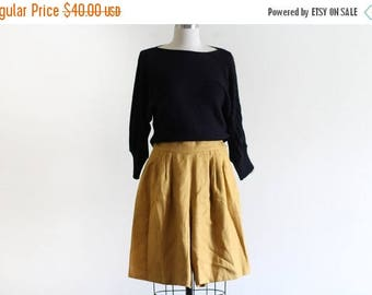 """25% OFF SALE Vintage Slouchy Mustard Shorts / High Waisted / 26"""" waist"""